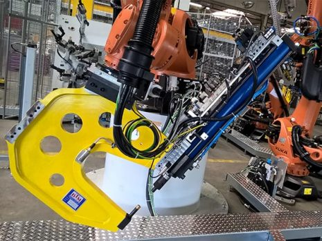 Robot Clinch unit with Pneumohydraulic Drive